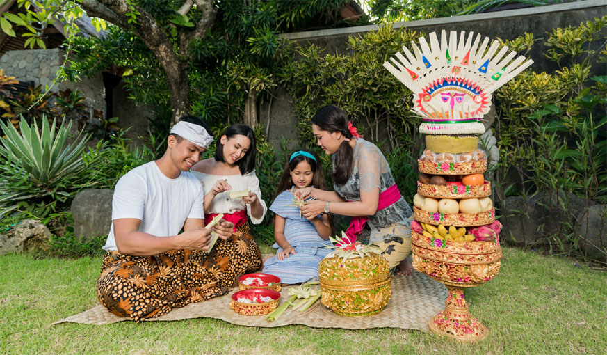This image has an empty alt attribute; its file name is offers-balinese-culture.jpg
